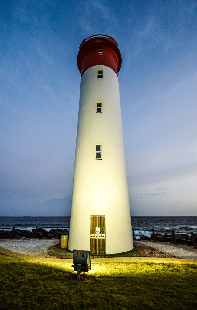 Umhlanga Lighthouse (by marccrowther)