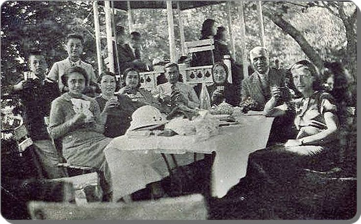 Büyük Çamlıca'da piknik yapanlar - 1930 lar