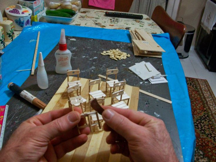 Özel sipariş olarak minyatür bahçeler için yaptığım masa sandalye takımları.. Sizlere bir fikir olabilir diye yapım aşamalarını resimledim.....