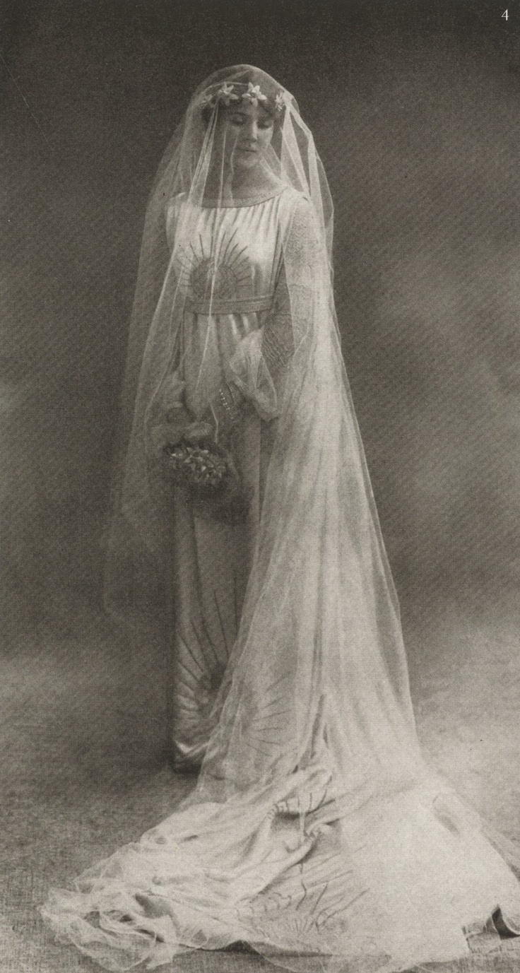 Marguerite Marie-Blanche Jacquemarie- Clémenceau, née di Pietro in a gown designed by her mother, Jeanne Lanvin. Photographed for Vogue (Sept. 1917) by Nadar. #Lanvin