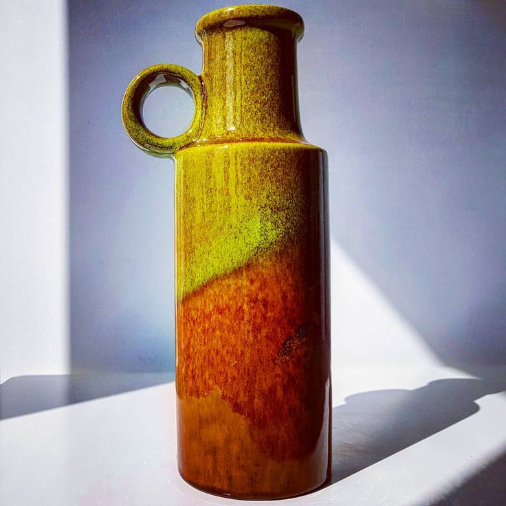Green and Brown Scheurich 401 vase  #green #brown #scheurich #vase #flowers #midcentury #modern #vintage #retro #60s #70s #pottery #ceramic #wgp #westgermanpottery #fatlava #glossy #shadow #germany