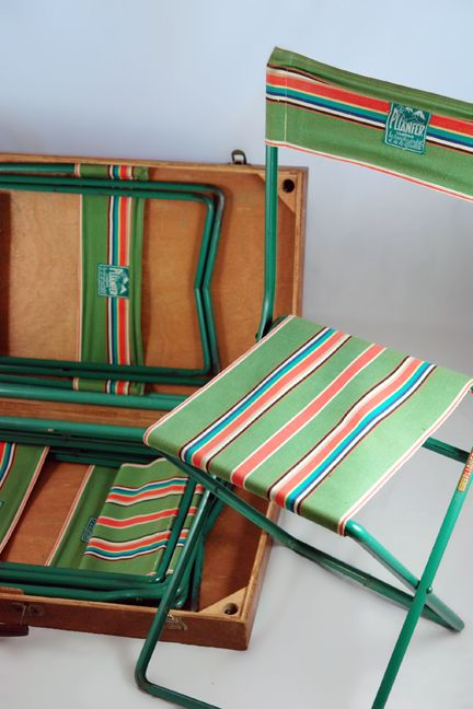 vintage camp chairs - great for glamping!