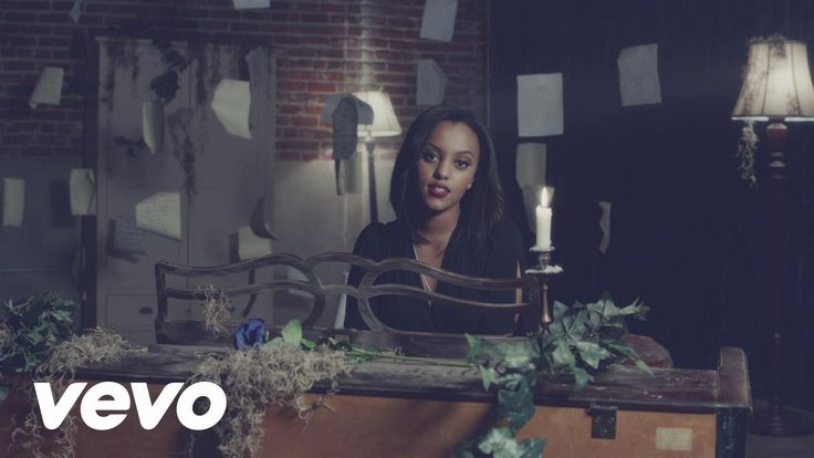 """""""Lost Boy"""" is taken from Ruth B's debut EP 'The Intro' available now! Get it here: https://ruthb.lnk.to/TheIntroAY Follow Ruth B http://ruthbofficial.com htt..."""