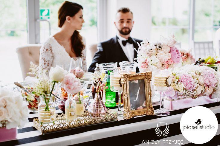 Glamour Wedding   Head table decoration,Centerpieces,Pink peonies,Table number,Wedding stationery / Wesele glamour,Dekoracja stołu Pary Młode,Różowe piwonie,Numery stołów, Papeteria ślubna,Anioły Przyjęć