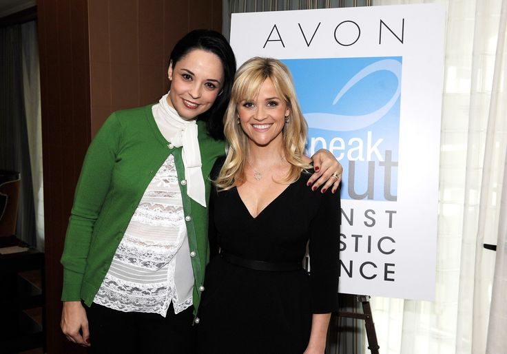 Andreea Marin and Reese Witherspoon, celebrities supporting the Fight against domestic violence.