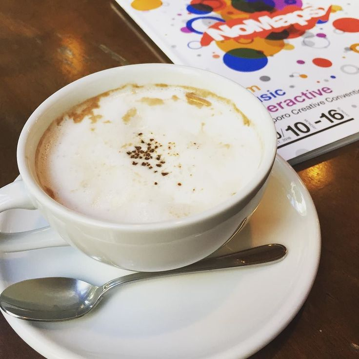 今夜Cube Gardenでは No Maps x #air_g のライブイベント@bombrush_bcdmg も来札under22のラッパーたちのMCバトルだよ ちなみに映画祭は6AMまでのall-night上映遊ぶ前も遊んだ後もクリエティブな作品でぶっ飛ぼ . #coffeetime #coffeebreak #NoMaps #sapporo #creative #convention  #film #music #interactive #creativecity #sapporoshortfest #shortfilms #shortfilmfestival #札幌 #映画祭 #札幌国際短編映画祭 #クリエイティブ #フラガール #ロコガール #ラジオdj #パーティーMC #通訳