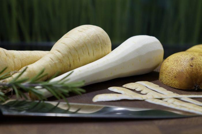 Was sind Pastinaken gemüse geputzt rosmarin