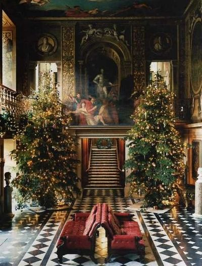 Chatsworth House decorated for #Christmas in North Derbyshire, England
