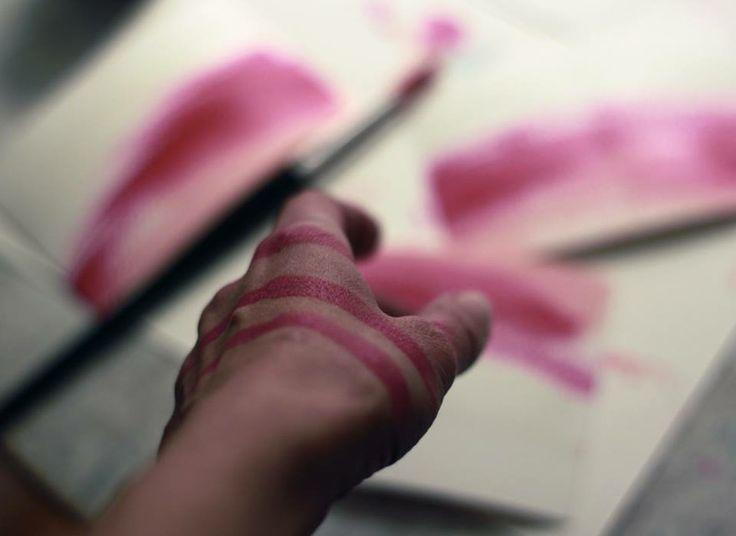 farba všade,na rukách najlepšia