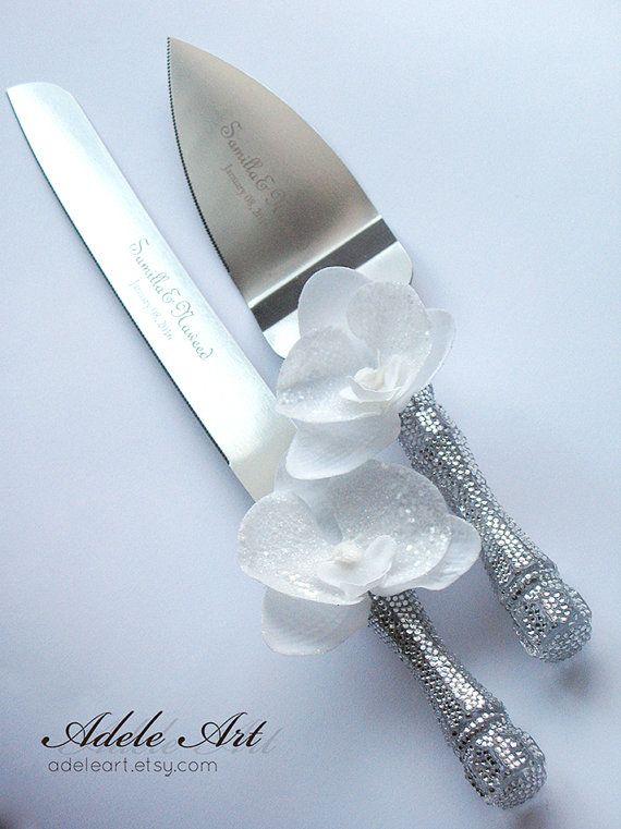 Hochzeitstorte-Server und Messer mit Strass und weiße von Adeleart