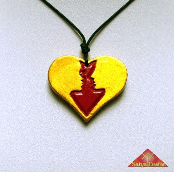 Pendentif cœur argile or et rouge amour amoureux