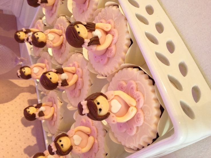 Cupcake girl / www.happyfest.com.br