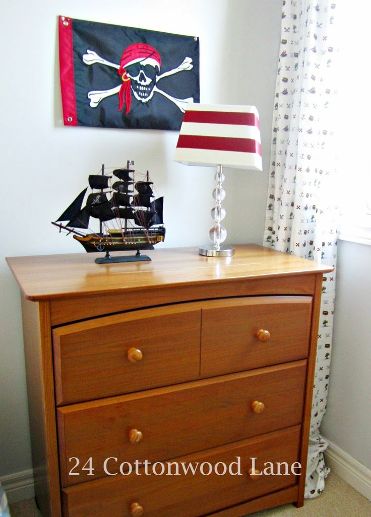 The 25+ best Boys pirate bedroom ideas on Pinterest | Pirate ...