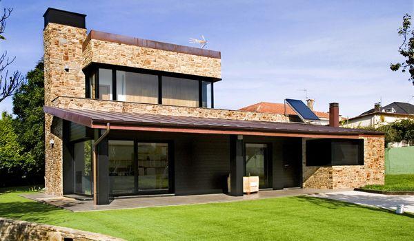 Fachadas sencillo chalet ladrillos casas fotos modernas for Fachadas rusticas de piedra y ladrillo