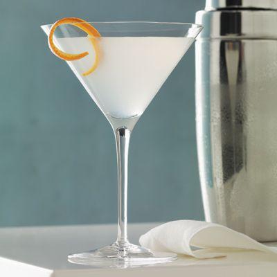 L'Orange White Cosmo #cosmo #martini  -3 oz Grey Goose L'Orange Flavored Vodka  -5 oz Orange liqueur  -Splash of white cranberry juice  -Squeeze of lime