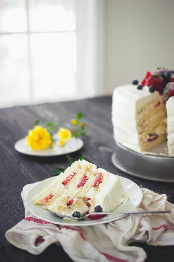 22 Best Sponge Cakes Images On Pinterest Petit Fours