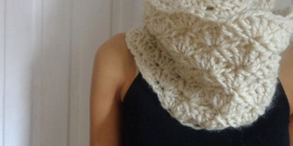 Wool Infinity Scarf by deorigenchile on Etsy