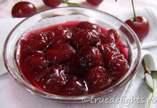 Cherry jam with fructose