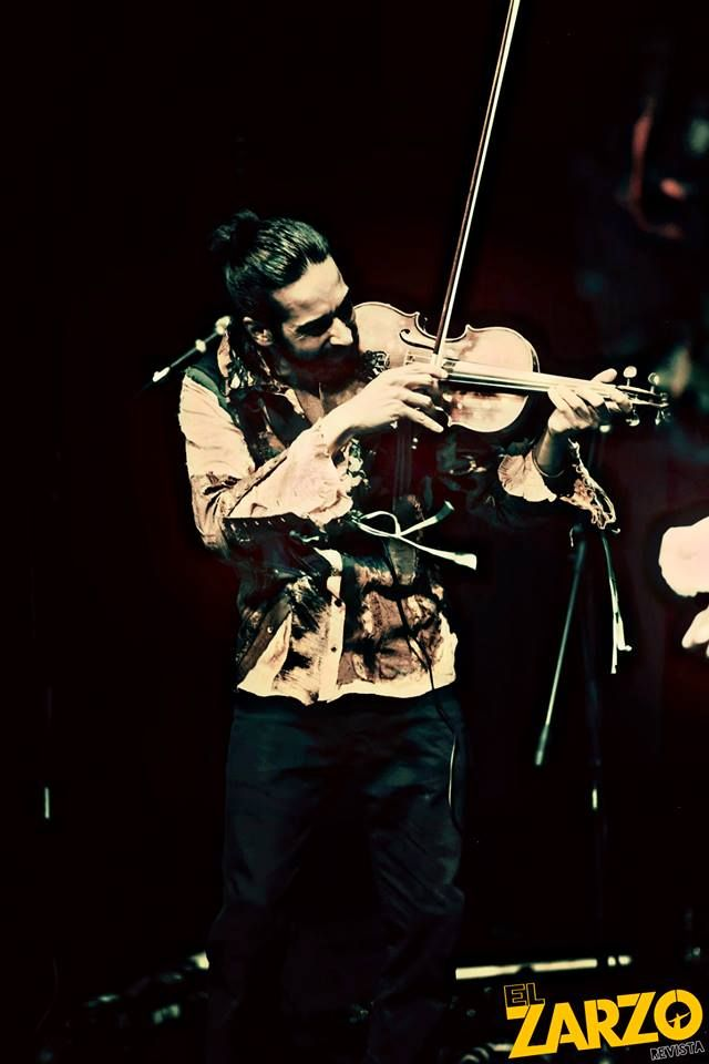 Gypsy Kumbia Orchestra  Foto: Renso Delgado para #ElZarzoRevista — con gypsykumbiaorchestra en Domus Teatro.