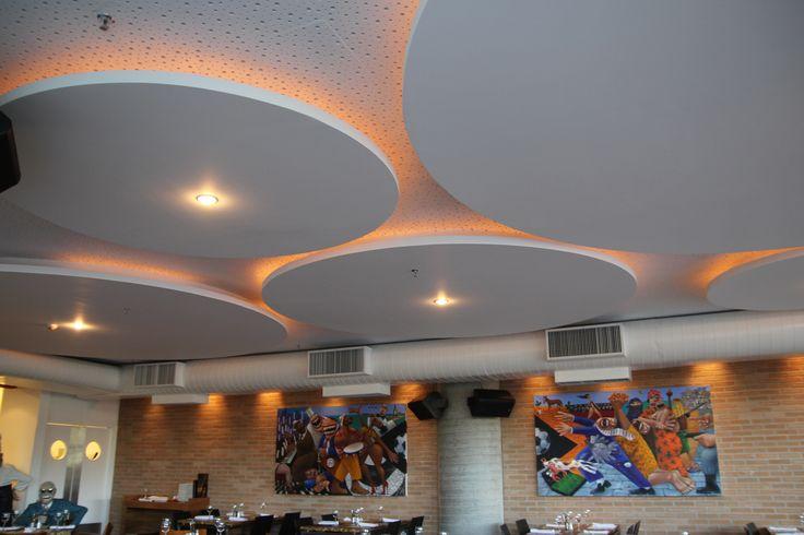 Hotel vit ria cielorraso con iluminaci n indirecta realizado en construcci n en seco con - Iluminacion vitoria ...