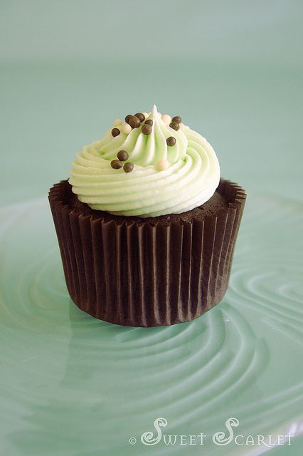 Sweet Scarlet Chocolate Mint Cupcakes