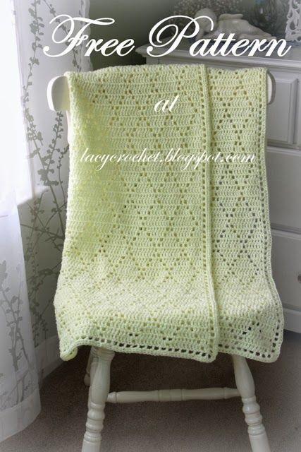 Lacy Crochet: Diamond Stitch Baby Blanket, Free Pattern╭⊰✿Teresa Restegui http://www.pinterest.com/teretegui/✿⊱╮