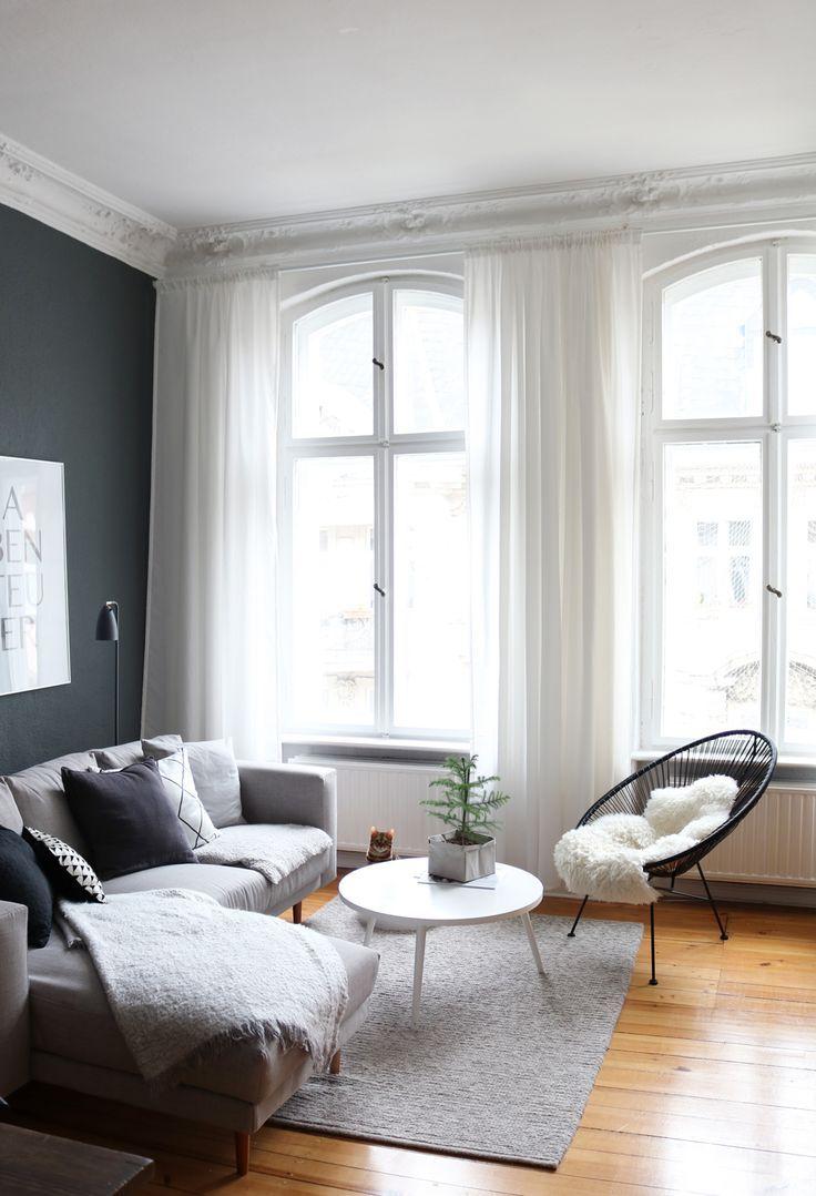 عکس تلفیق رنگ های خنثی و کفپوش چوبی در دیزاین خانه