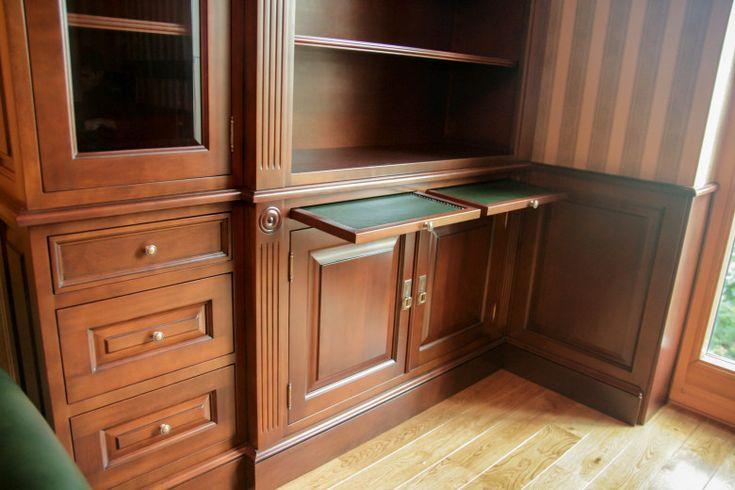 klasyczna biblioteka angielska, tirety (wysuwane pomocniki), classic furniture design, wooden home office, traditional bookcases  - wykonanie Artystyczna Manufaktura