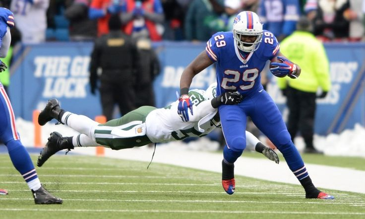 Former Bills RB Karlos Williams clears waivers, becomes a free agent = The Buffalo Bills have had quite a week, and it specifically surrounded one of their young running backs. After the Bills decided to part ways with second-year running back Karlos Williams, Paul Hamilton of WGR Sports Radio 550 reported that he.....