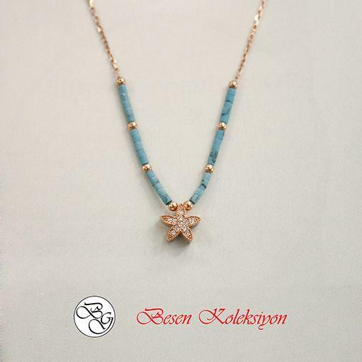 Besen Koleksiyon - Yıldız Figürlü Rose Firuze Taşlı Kolye  Besen Gümüş www.besengumus.com  #besen #gümüş #takı #aksesuar #besenkoleksiyon #koleksiyon #yıldız #figürlü #rose #firuze #taşlı #kolye #izmit #kocaeli #istanbul #besengumus #tasarım #moda #bayan  Fiyat Bilgisi ve Satın Almak için https://besengumus.com/kolye/besen-koleksiyon-yildiz-figurlu-rose-firuze-tasli-kolye.html  Sorularınız İçin Whatsapp 0 544 6418977 Mağaza 0 262 3310170