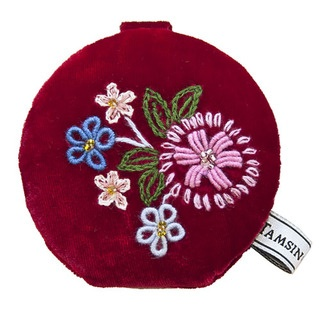 Now when you look at yourself – people will be looking at you! This compact mirror has a plush velvet outer and features our vintage inspired Folk Flowers design. Pretty and feminine, with a touch of arts-and-crafts.