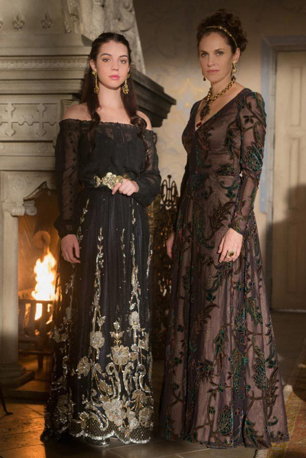 Reign Sneak Peek Marys Royal Wedding Dress Revealed But Whos The Groom