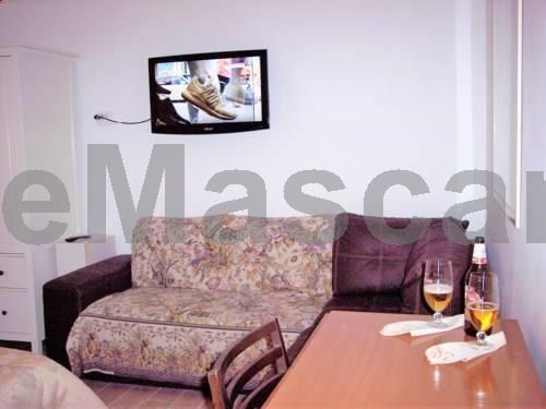 I 5 Continenti Roma I 5 Continenti is an apartment set in Rome, 2.6 km from Porta Maggiore. The apartment is 3.4 km from Sapienza University of Rome. The kitchenette is fitted with a dishwasher. Towels and bed linen are offered in this apartment. Domus Aurea is 3.