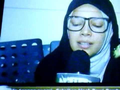 Artis Cantik Dewi Sandra Berjilbab Nyanyi Lagu. Kini tampilan Dewi Sandra sudah tidak seperti dulu lagi. Lain ladang lain belalang, lain kali jangan diulang ya... Artis Cantik Dewi Sandra Berjilbab Nyanyi Lagu. https://www.youtube.com/watch?v=EXqN-2JK3QE