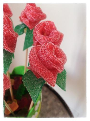 Dulce ramo de rosas para San Valentín | Aprender manualidades es facilisimo.com