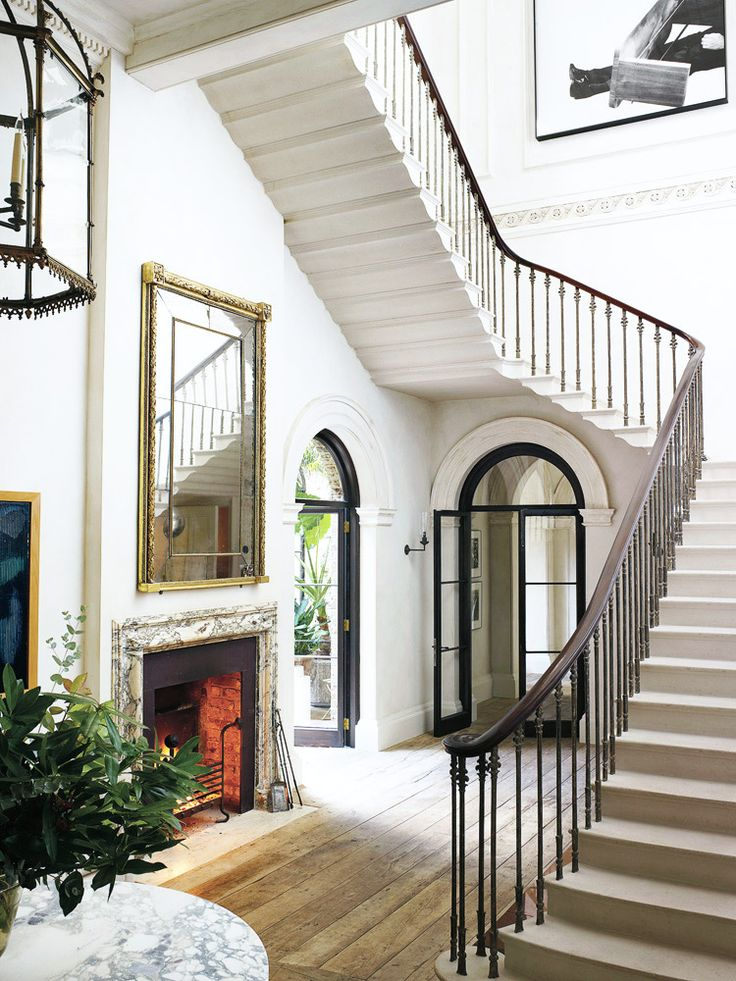 This elegant room is just the foyer of an unbelievable London home…http://www.thouswell.co/tasteful-and-timeless-in-london/