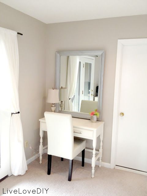 Cute makeup stand area for the bedroom!!!