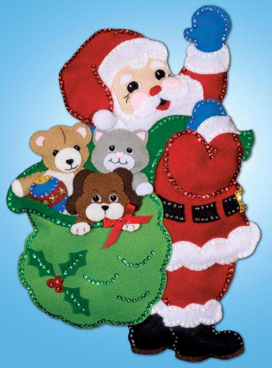 Design Works Felt Wall Hanging Kit SANTA  PALS