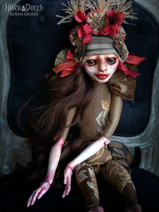 «HORKA DOLL» par Klaudia GAUGIER