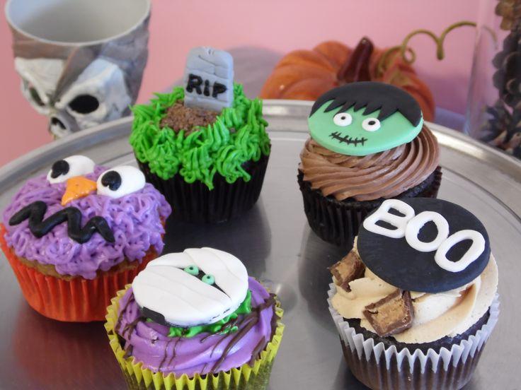 Halloween mini cupcake decorating ideas for Halloween mini cupcake decorating ideas