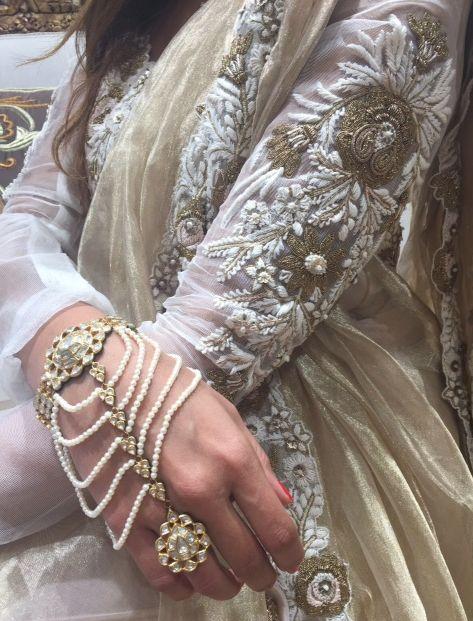 Ayesha Depala Hyderabadi khada dupatta.Gehna haathphool