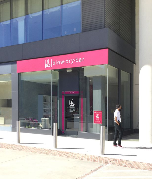 Blo Dry Bar- Houston Storefront Sign and Design. #Pink #Salon #storefront #design #houston #sign #signs #vinyl #business
