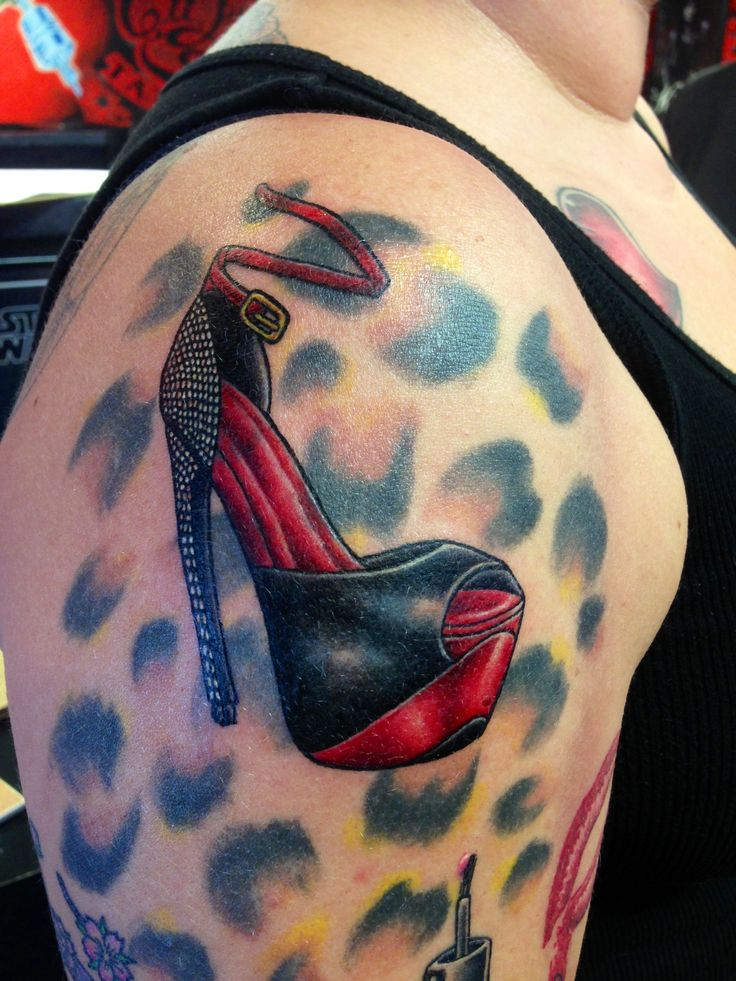 100 best shoe hand leg feet other tat images on pinterest nice tattoos tattoo ideas and. Black Bedroom Furniture Sets. Home Design Ideas