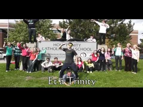 Holy Trinity Style - an UNBELIEVABLY well done Gangnam Style version performed in French by immersion students in Ottawa, ON, Canada.