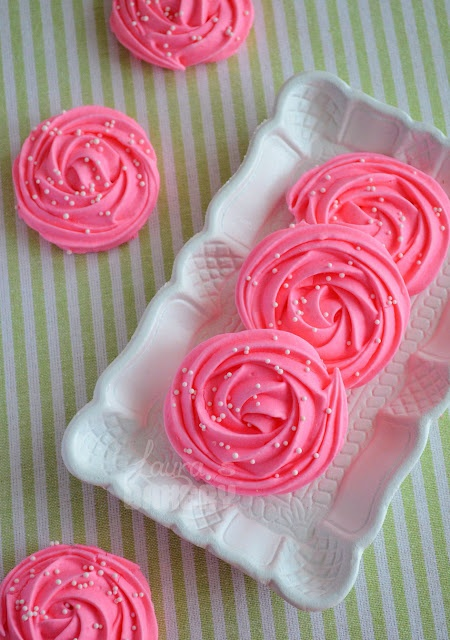 Pretty Rose Meringues! These look adorable! My granddaughter n I are having a little tea party while she's here so we will just try making these...