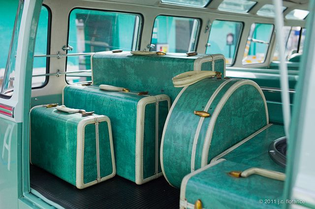 Turquoise Luggage - a full matching set: 50s and Samsonite!