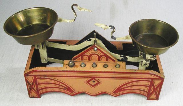 Alte Waage aus Blech Germany für Puppen-Kaufladen um 1920 mit kleinen Gewichten | eBay