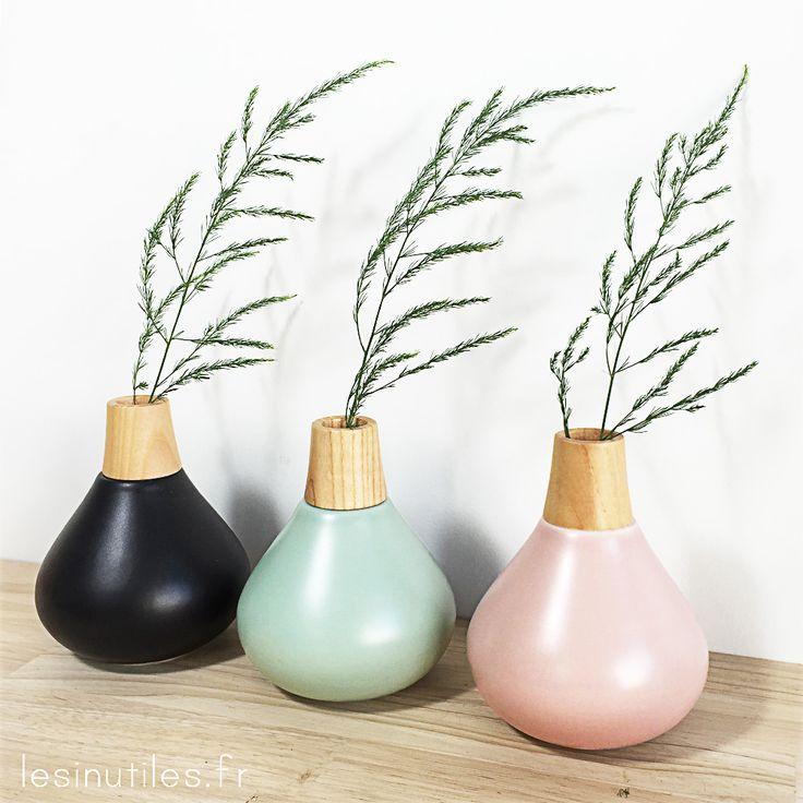 ♡ Lesinutiles.fr ♡ Voici de jolis petits vases Bloomingville en céramique pastel et bois de frêne !