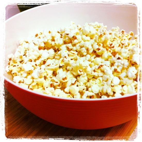 Popcorn! Popped in Coconut Oil & some seasalt #iqs