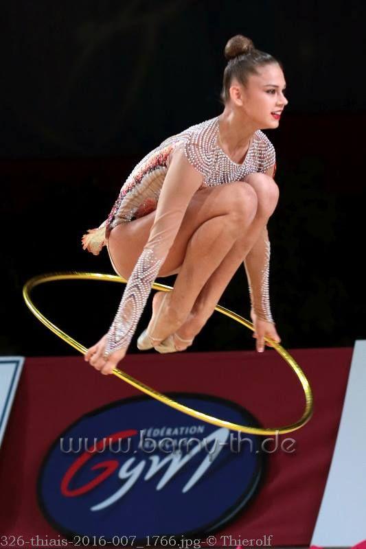 Aleksandra Soldatova (Russia)🇷🇺 ~ Hoop @ GP Thiais🇫🇷 2016 😅😅 Photographer 🇩🇪Bernd Thierolf.
